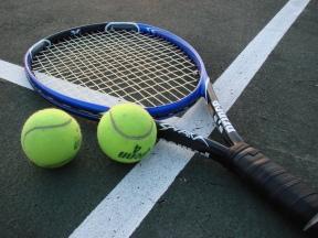 Tennis_Racket_and_Balls